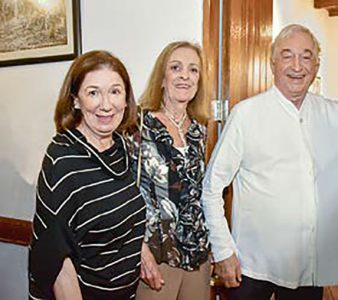 Ana María Loredo, Ana Teresa Loredo y Ernesto Fernández Montagne.