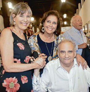 Elsa Vallarino, Rosario Flores y Tomás Matellini.