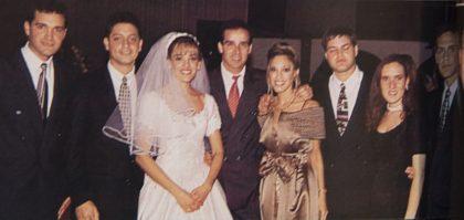 Vinicio Urdaneta, Luis Felipe Castellanos, Karina Urdaneta, Augusto Miró Quesada, Ayarí Urdaneta, Renato Urdaneta, Paola Martínez y Favio Urdaneta