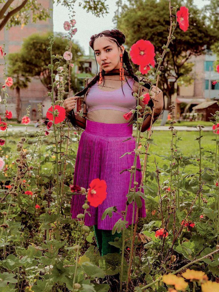 Renata Flores Reina del Rap en quechua 1