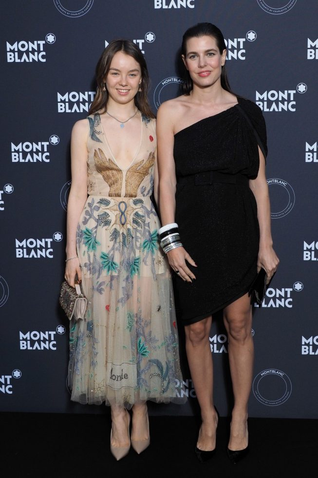 Alexandra de Hannover y Charlotte Casiraghi son medias hermanas y muy unidas.