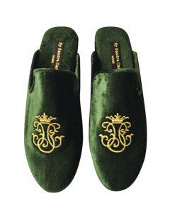 Sandra Carrión Living, Velvet slippers, bordados con tus iniciales o con el bordado que más te guste. S/350.