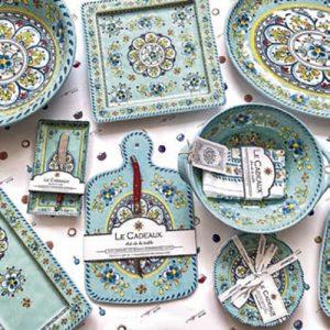 Apoyemos a Jardín Abierto con estas piezas de cerámica pintadas a mano de Atmosphere Home & Gifts.
