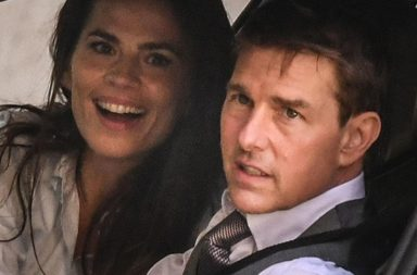 tom Cruise y Hayley Atwell
