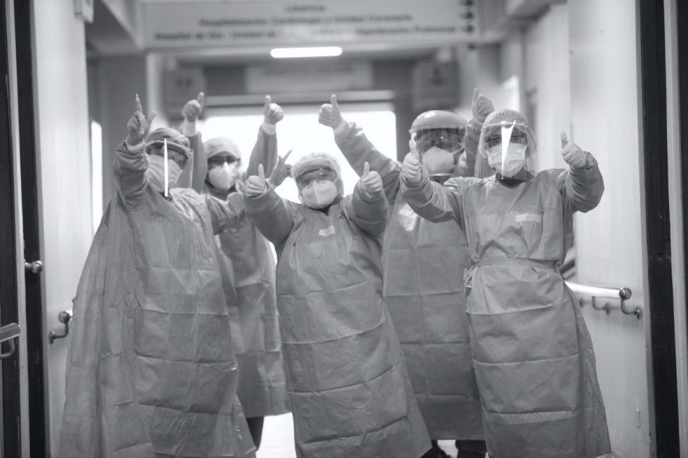DOCTORES COVID