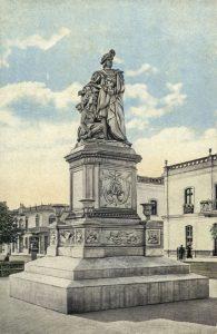 Monumento a Cristóbal Colón que viene siendo restaurado por la Municipalidad de Lima.