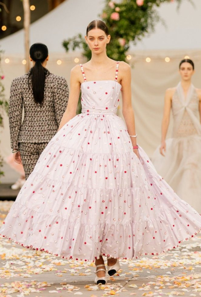 Look 1 colección Chanel primavera-verano 2021