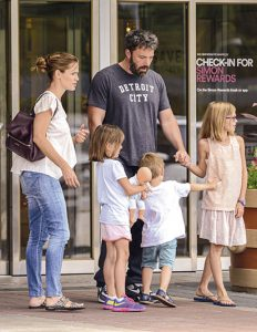 Jennifer Garner sostuvo una larga relación con Ben Affleck, con quien tiene tres hijos: Violet Anne, de 15 años; Seraphina Rose Elisabeth, de 12; y Samuel, de 8.