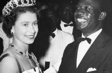 Elizabeth II racismo