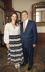 Luciana de la Fuente y Raúl Diez Canseco.