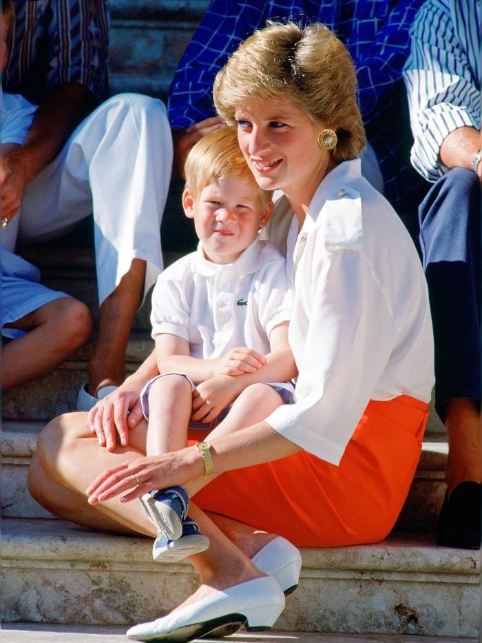 El príncipe Harry y su madre, Diana de Gales
