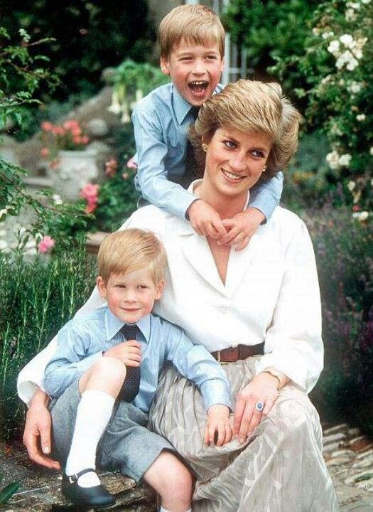 Harry, William y Diana