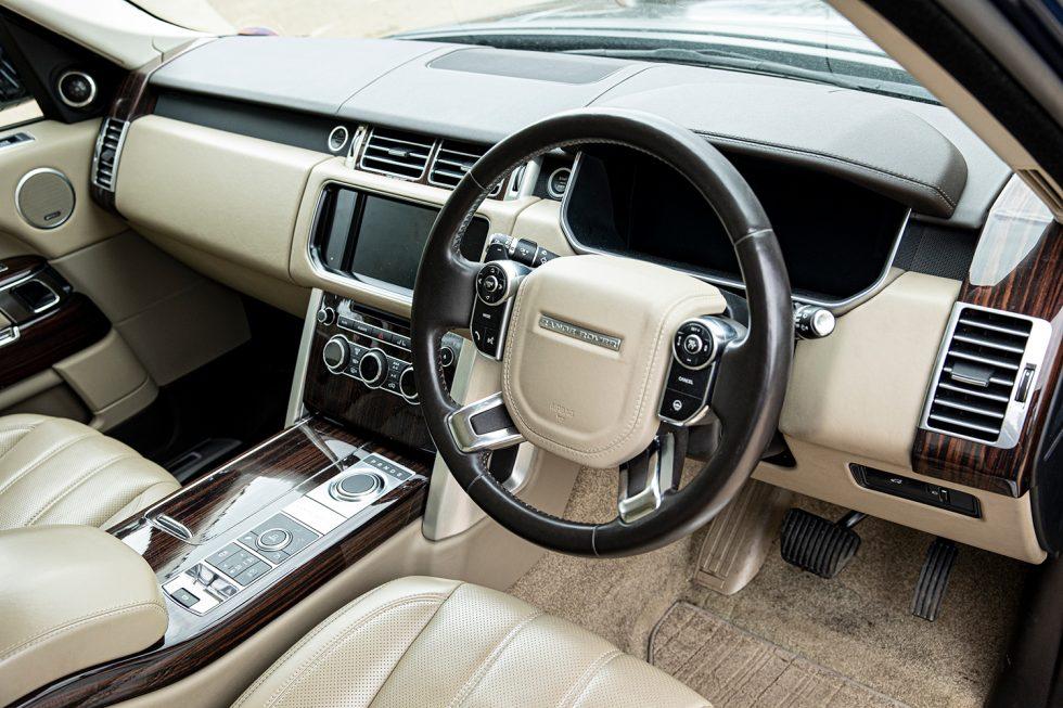 Interior del Range Rover de William y Kate. FOTO: Bonhams.