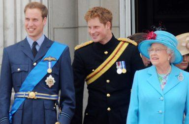 reina Elizabeth, Harry, William