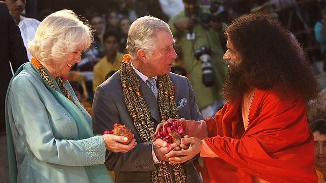 Charles en la India