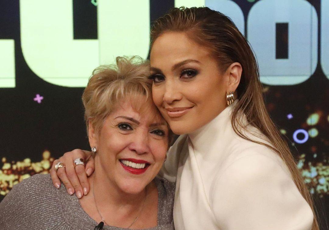 Jennifer López y mamá