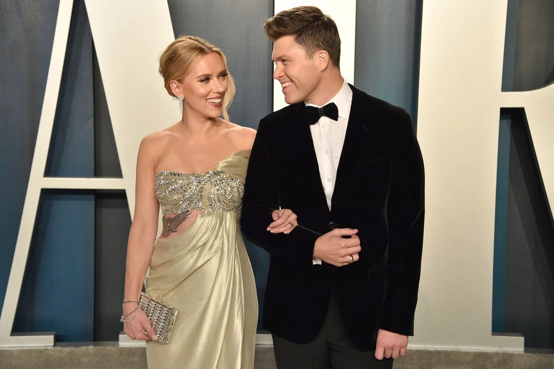 Scarlett y Colin Jost