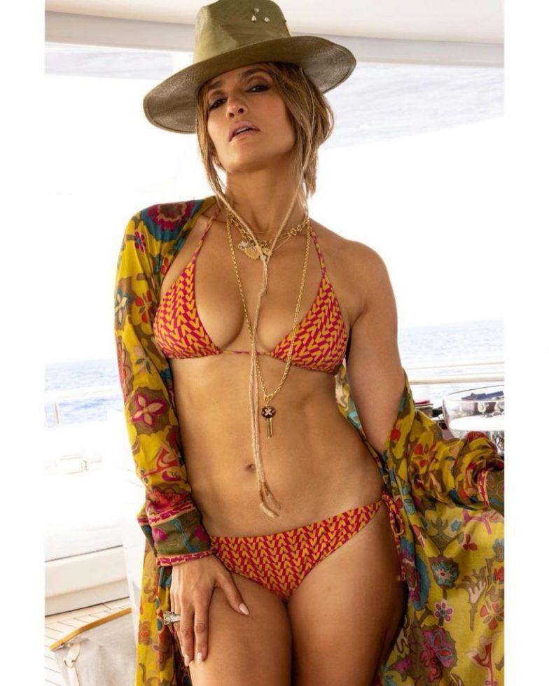 Jennifer Lopez bikini 52 años